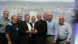 Egg Farmers of Canada is the 2014 recipient of the Crystal Egg Award from the International Egg Commission.  Photo: CNW Group/Egg Farmers of Canada.