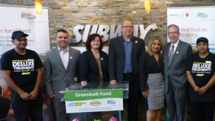David Capobianco (Burnac Produce), Jonna Thomas (Subway), Burkhard Mausberg (CEO Greenbelt Fund), Neda Robati (franchise owner, Subway), Jeff Leal (OMAFRA)
