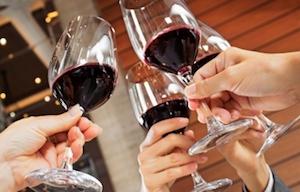 WineGlassesToasting300x192